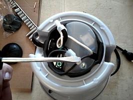 http://www.yourepair.com/howtos/images/appliances/Garbage-Disposal/garbage-disposal-09.jpg